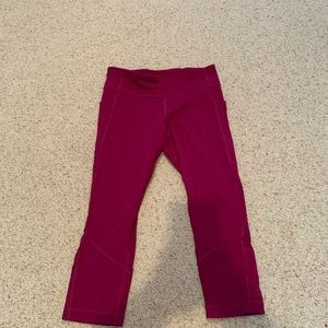 pink / fuchsia lululemon cropped leggings